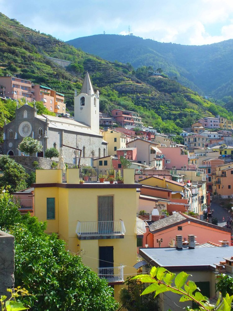 The walk into the residential area of Riomaggiore