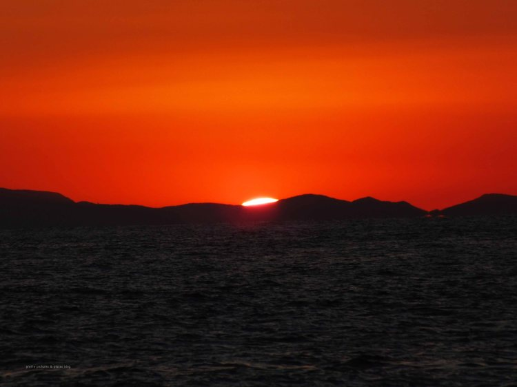 The sunset from Riomaggiore marina